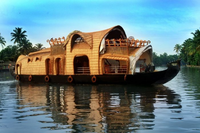 Kerala Houseboat Holiday – India